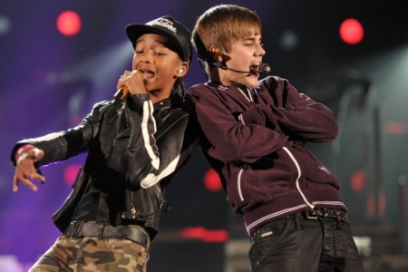 Happy New Year: Testo - Audio (Justin Bieber ft. Jaden Smith)