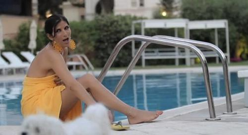 "Pamela Prati ""Love is a holiday"" Video ufficiale"