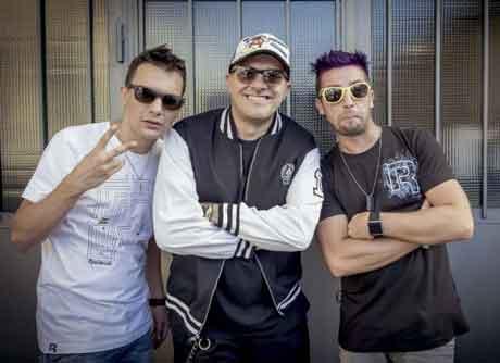 """Max Pezzali """"Sei Uno sfigato"""" Video Ufficiale feat. Two Fingerz"""