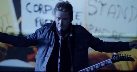 Edge-Of-A-Revolution-videoclip-nickelback