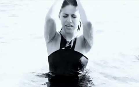 lidia-mare-blu-video-ufficiale-screenshot