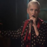 Annie Lennox, I Put A Spell On You: testo, traduzione e video