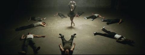 American-Beauty-American-Psycho-videoclip-Fall-Out-Boy