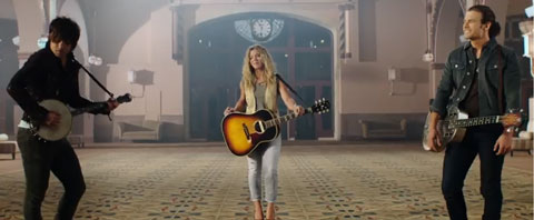 Gentle-On-My-Mind-videoclip-the-band-perry