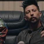 Two Fingerz – B&W (Contro la crisi): testo, video ufficiale ft. Dargen D'Amico