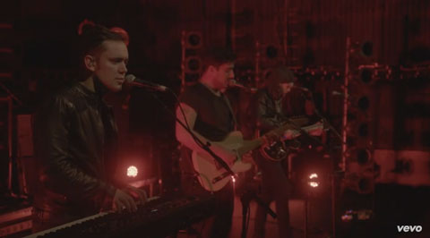 snake-eyes-video-live-mumford-and-sons
