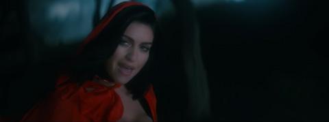 Beast-Videoclip-Mia-Martina-Waka-Flocka