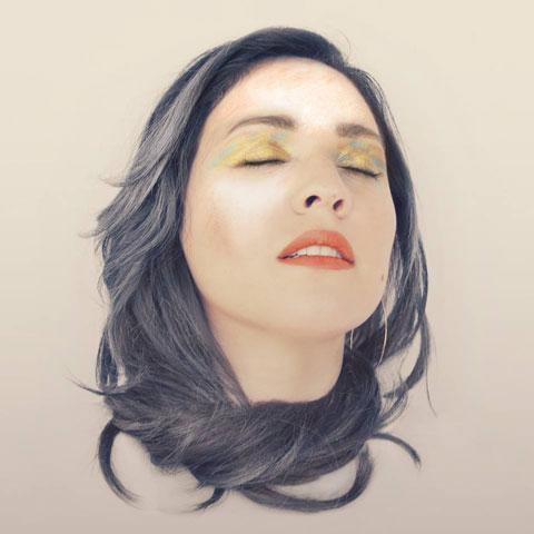 Carla-Morrison-Un-Beso