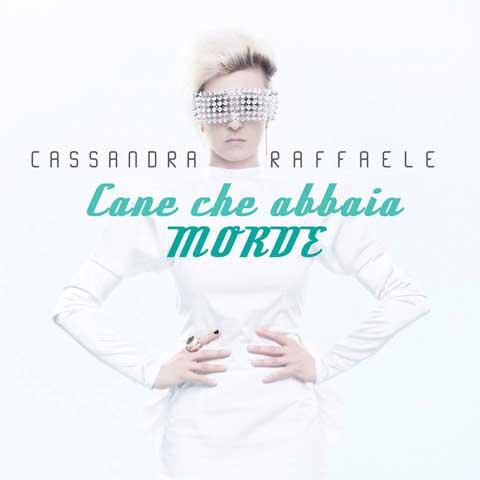Cassandra-Raffaele-Cane-che-abbaia-morde