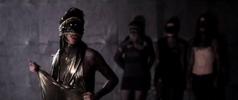 Oh-Cruel-Darkness-Embrace-Me-videoclip-iamx