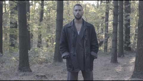 dimentica-videoclip-Alessandro-Mahmood