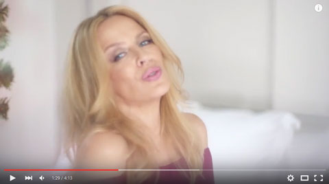 Every-Days-Like-Christmas-videoclip-kylie-minogue