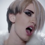 Kiki Doll – Hey Mister: testo, traduzione e video ufficiale