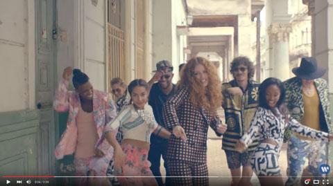 Ain't-Got-Far-To-Go-official-videoclip-Jess-Glynne