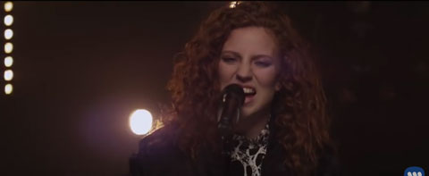 Aint-got-far-to-go-acoustic-video-Jess-Glynne