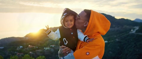 little-more-royalty-videoclip-chris-brown