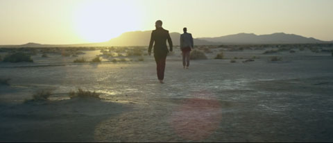 Walking-in-the-Sun-official-videoclip-pang