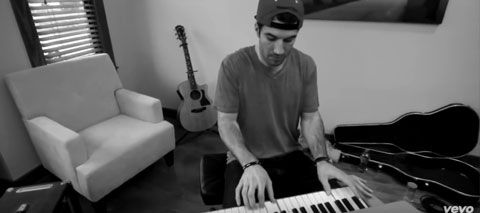 make-you-miss-me-live-acoustic-video-sam-hunt