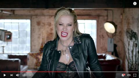 whos-loving-you-video-anastacia-auryn