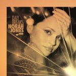 Norah Jones: è uscito il sesto album Day Breaks: tracklist e info