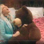 Kesha: guarda il video del nuovo singolo Learn To Let Go + testo e traduzione