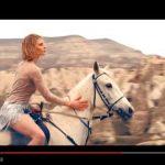 Mahmut Orhan: guarda il video di Save Me feat. Eneli (testo e traduzione) + remix