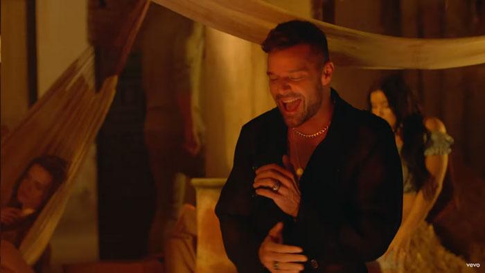 Fiebre Ricky Martin Traduzione Testo E Video Ft Wisin Yandel Nuove Canzoni
