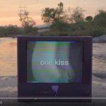 Calvin Harris & Dua Lipa – One Kiss: video, testo e traduzione del nuovo singolo