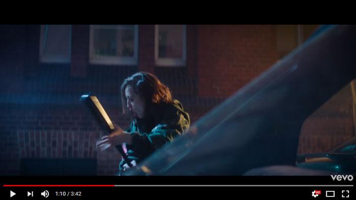 Lash-Out-videoclip