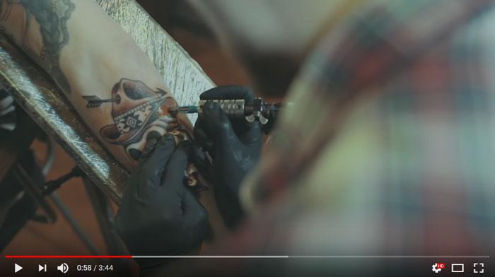 il-tatuaggio-videoclip-leda-battisti