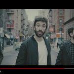 """AJR – """"Sober Up"""" feat. Rivers Cuomo: video ufficiale, testo, traduzione e remixes"""