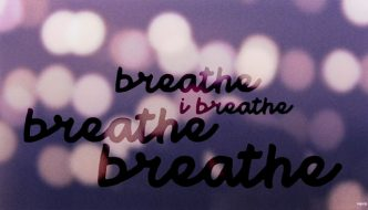 clicca qui per vedere il lyric video di breathe