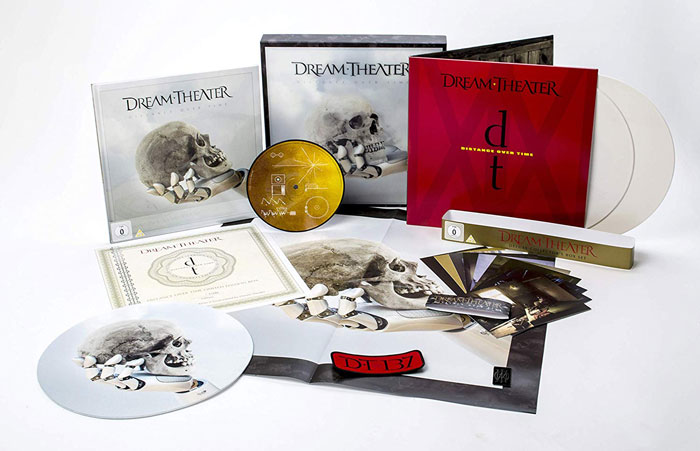 la Deluxe Collectors Box Set di distance over time