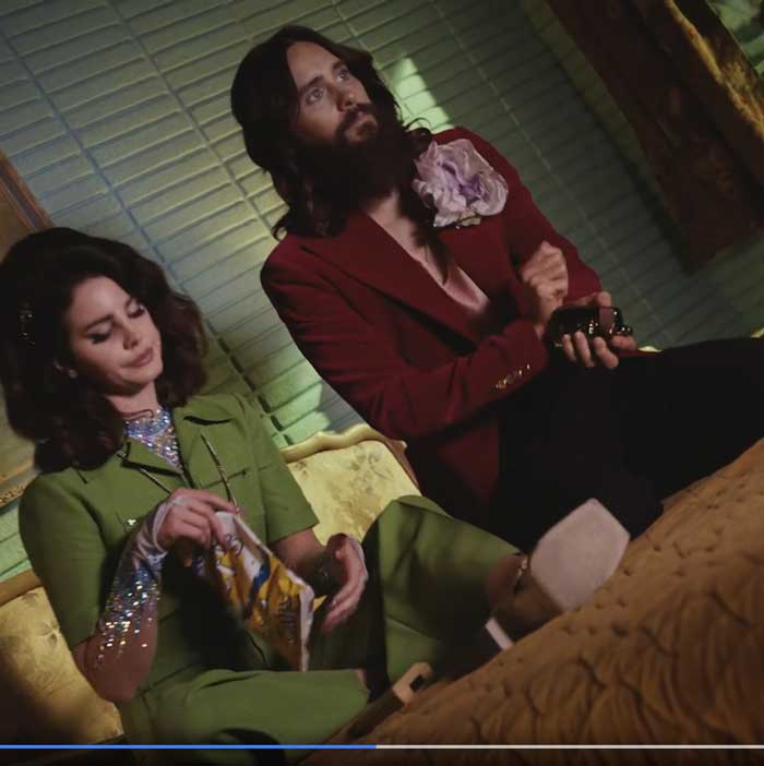 pubblicità gucci guilty 2021 con lana del rey e jared leto