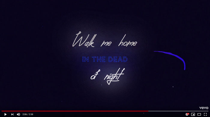 il lyric video di Walk Me Home