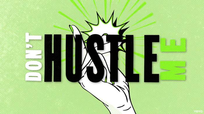 il lyric video di hustle