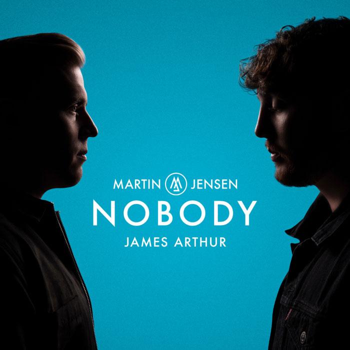 la copertina di nobody