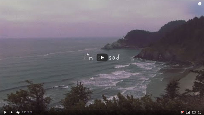 guarda il lyric video di i'm so sad