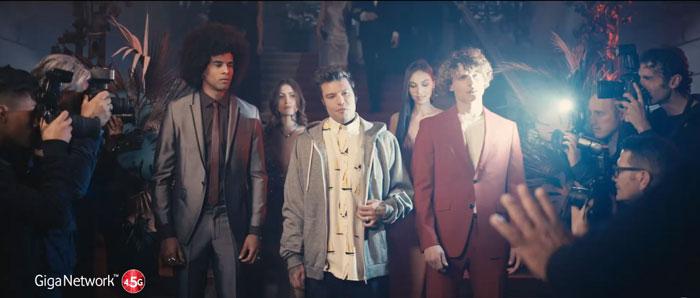 pubblicità vodafone Shake it easy con fedez