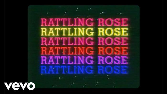 il lyric video di rattling rose