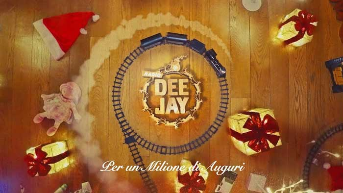 canzone natale 2019 radio deejay