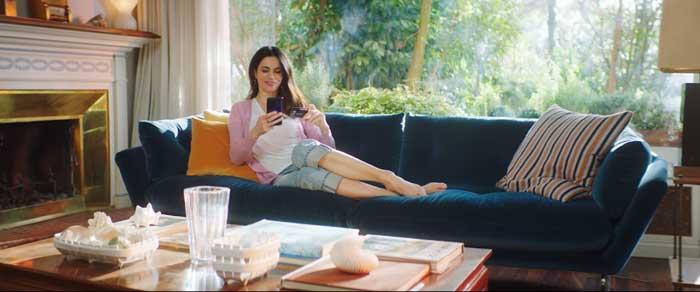 pubblicità mooney con rossella brescia