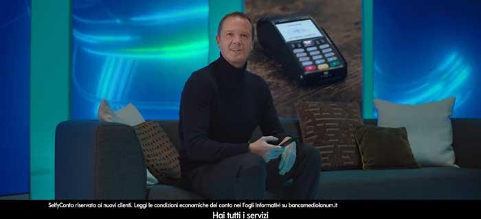 pubblicità banca mediolanum selfie febbraio 2021