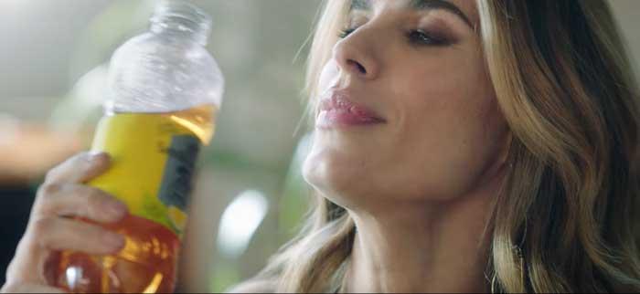 pubblicità San Benedetto con Elisabetta Canalis